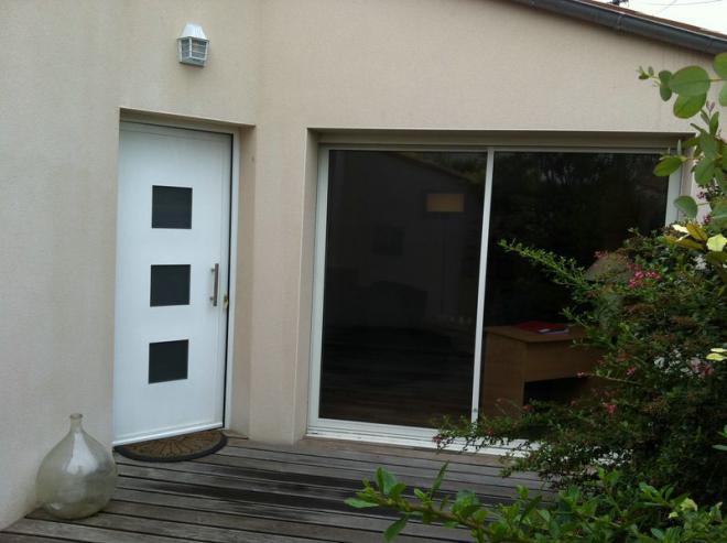 a louer grand duplex meubl avec grande terrasse la rochelle tr s confortable. Black Bedroom Furniture Sets. Home Design Ideas
