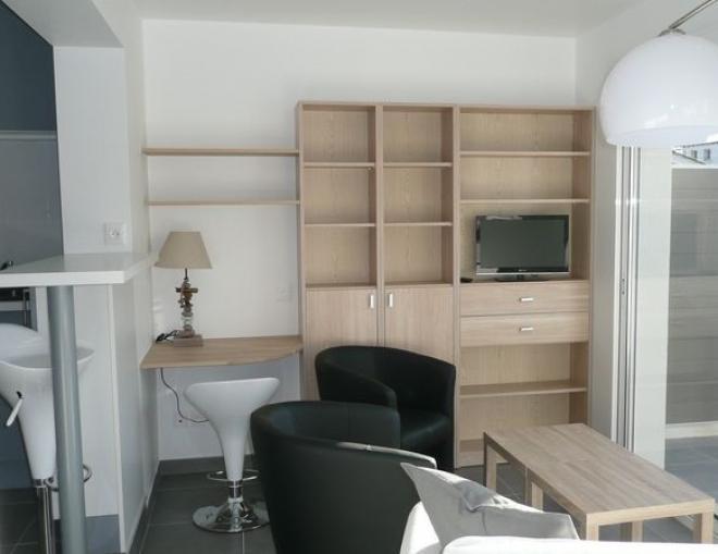 location appartements la rochelle aytr location appartement t2 meubl avec terrasse et. Black Bedroom Furniture Sets. Home Design Ideas
